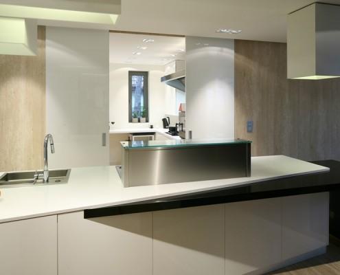 Duża wyspa kuchenna w nowoczesnym stylu Living Box