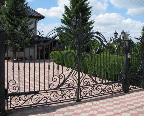 Kuta brama w klasycznym stylu Alab Kowalstwo