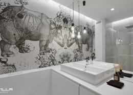 Nietuzinkowa grafika w łazience Tilla Architects