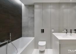 Płytki łazienkowe imitujące drewno i beton Tilla Architects