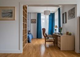 Sypialnia otwarta na domową pracownię Jacek Tryc