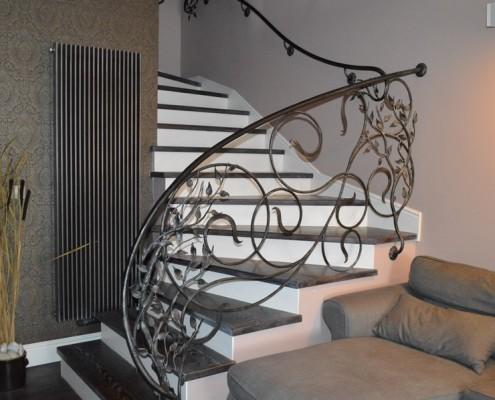 Stylowe schody w salonie Alab balustrady i schody