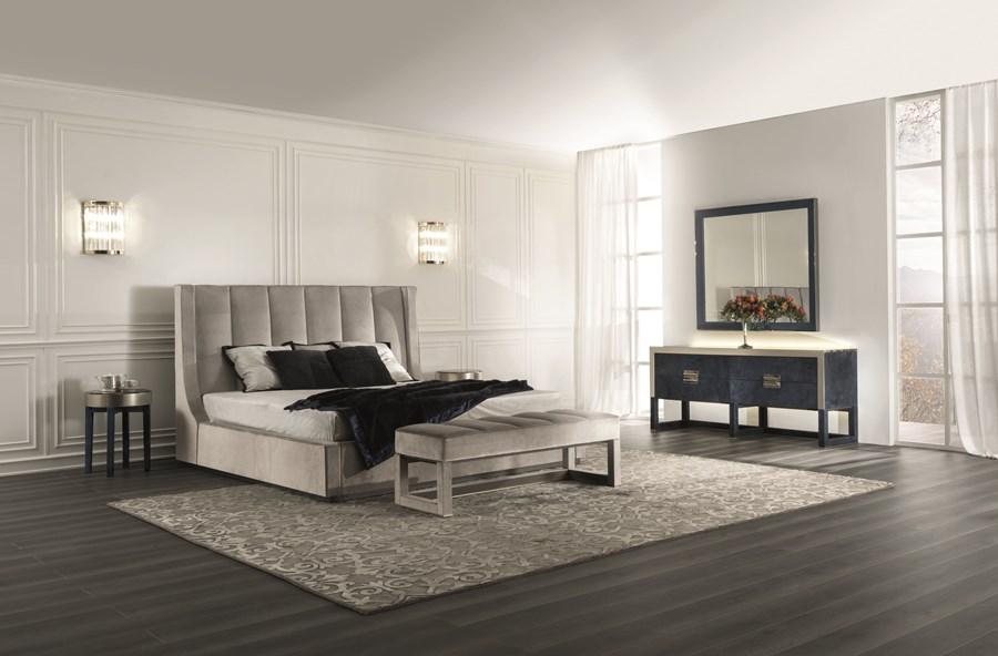 Eleganckie łóżko w sypialni