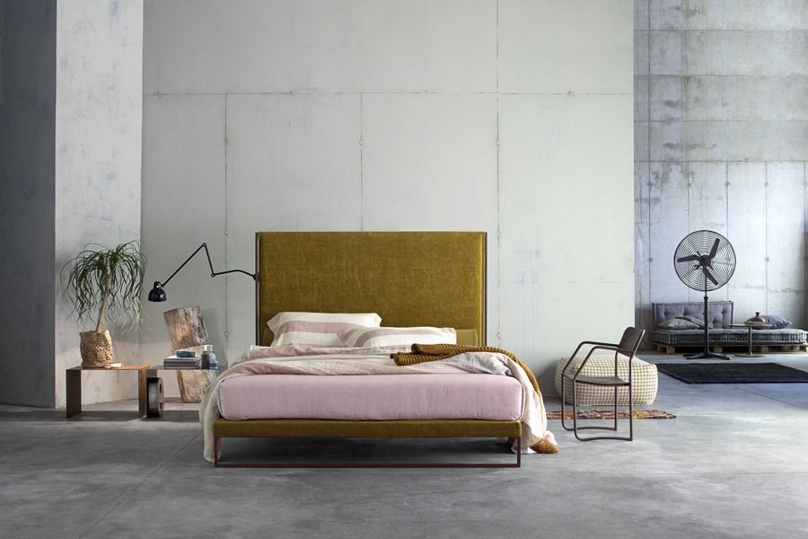 Wyjątkowe łóżko w sypialni