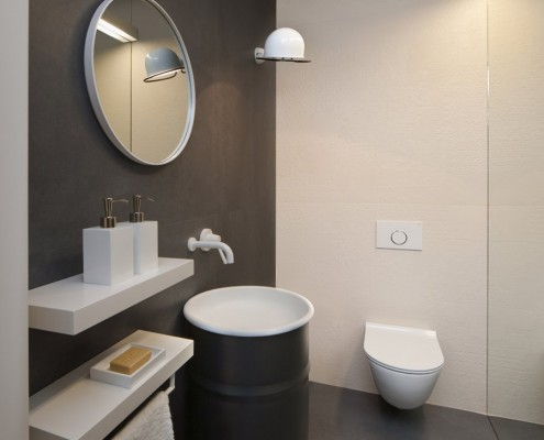 Wystrój minimalistycznej toalety Exit Design