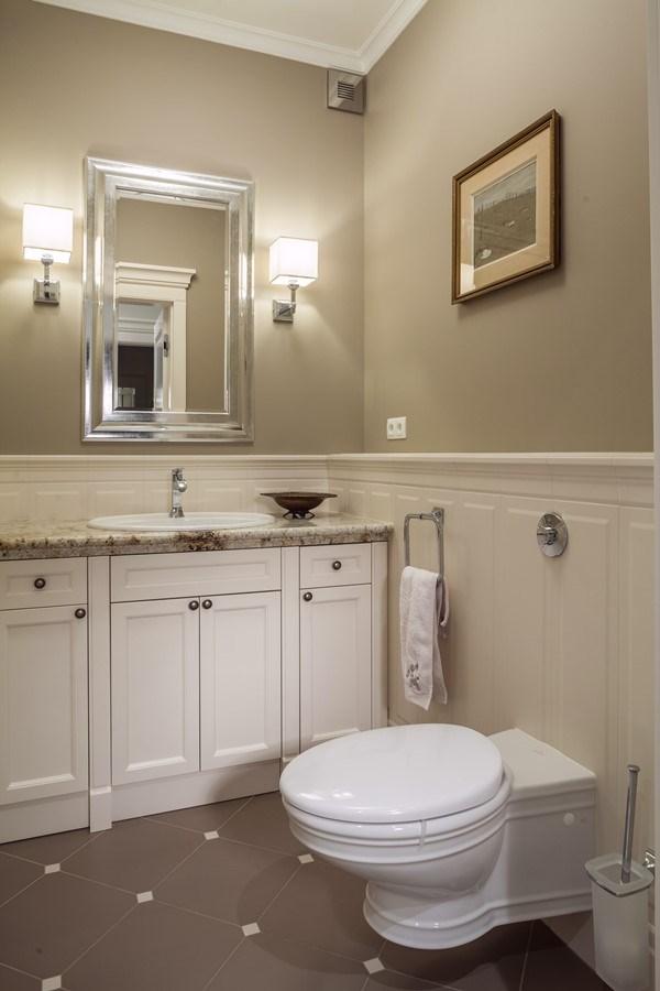 Pomysłowe aranżacje toalety w stylu klasycznym