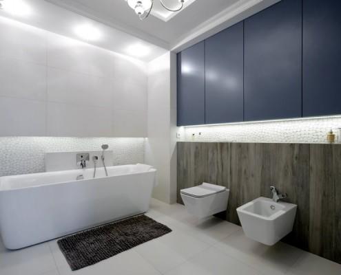 Jasna łazienka z wolnostojąca wanną 3deko
