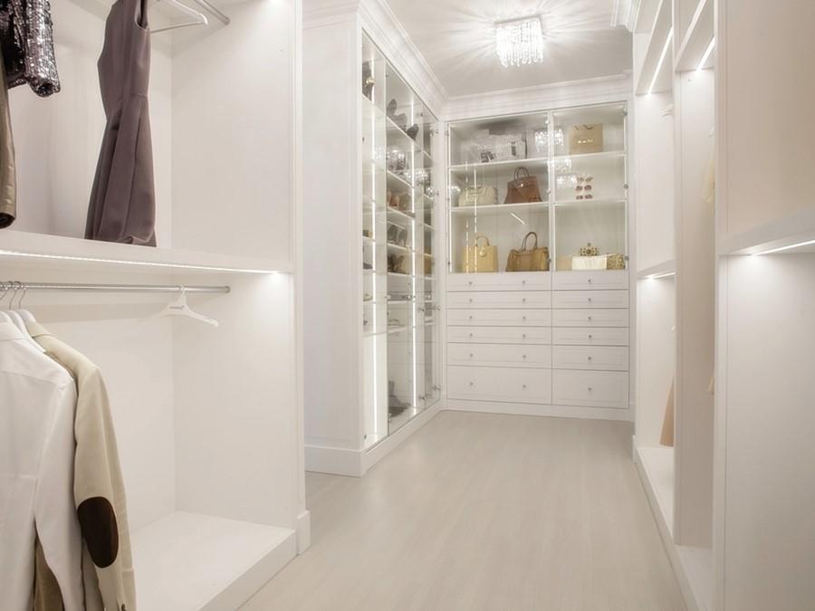 Biała garderoba w stylu klasycznym