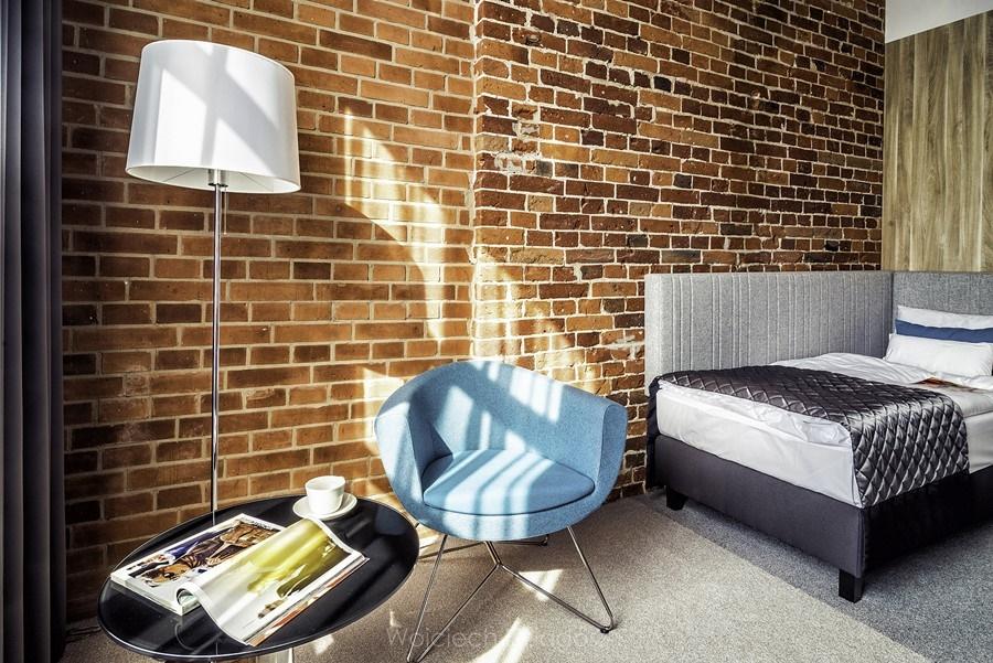 Stylowe ściany w pokoju młodzieżowym