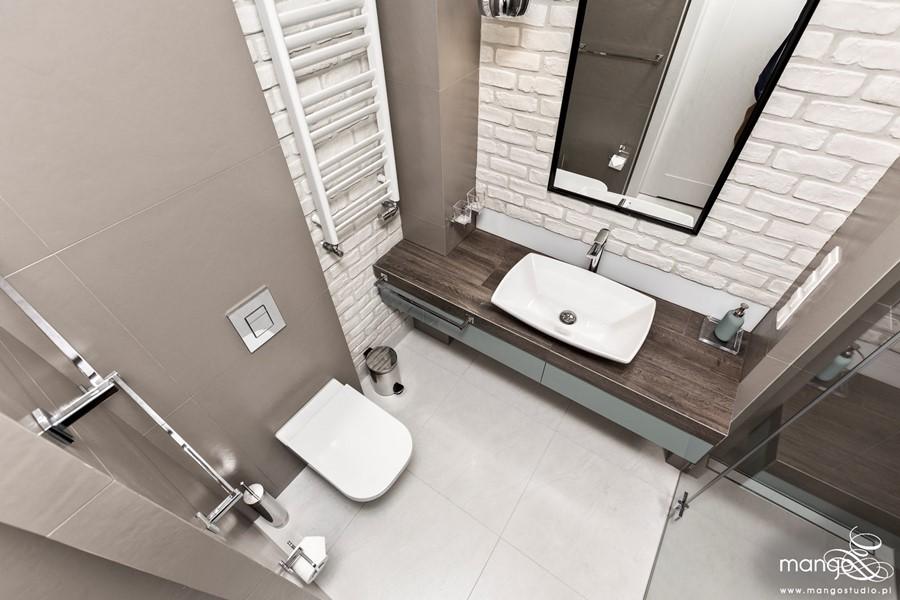 Łazienka z prysznicem - pomysł na małą łazienkę