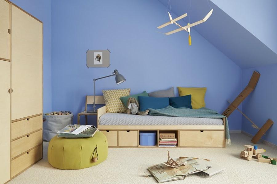 Łóżko ze sklejki - meble dla dzieci