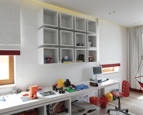 Biało-czerwony pokój dla chłopca Katarzyna Kraszewska
