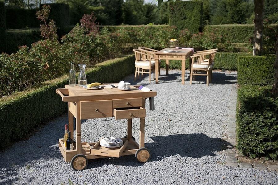 Meble ogrodowe z drewna, dzięki którym odpoczynek będzie komfortowy