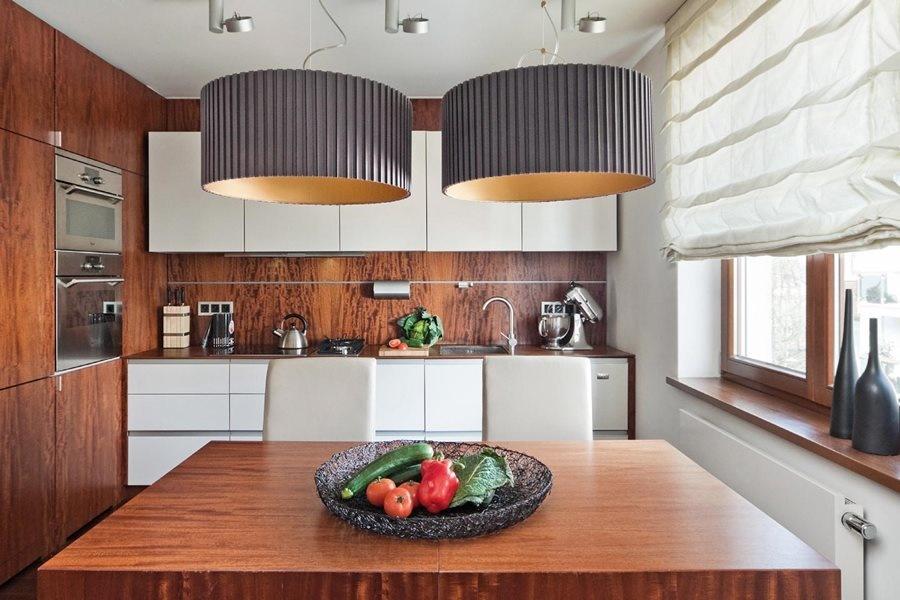 Ściana w kuchni w drewnie