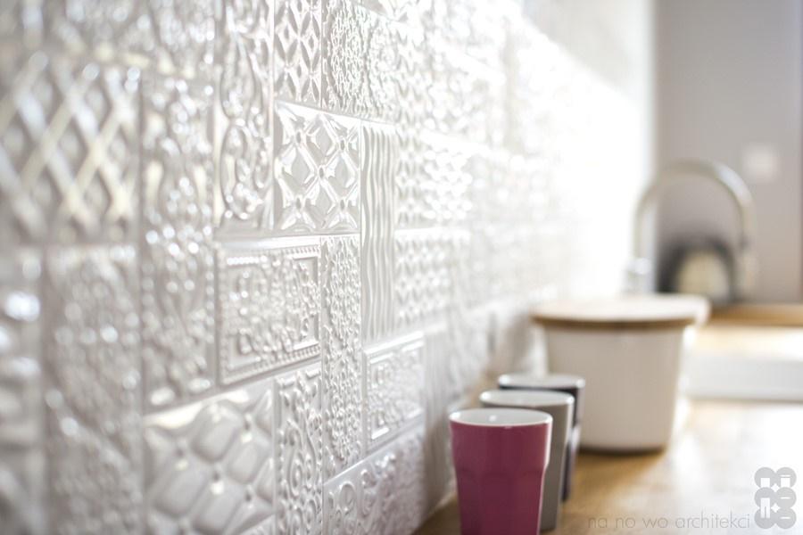 Ściana nad blatem w kuchni w kafelkach