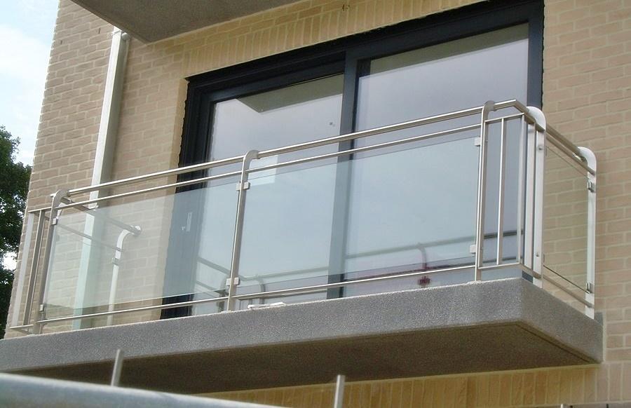 Balkonowa balustrada szklana