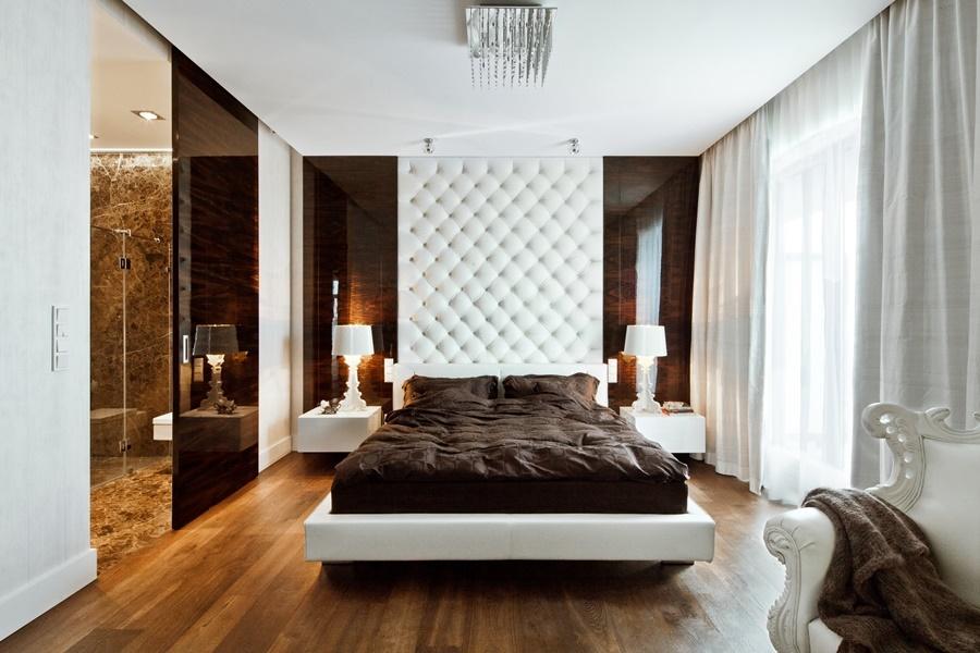 Tapicerowana ściana nad łóżkiem