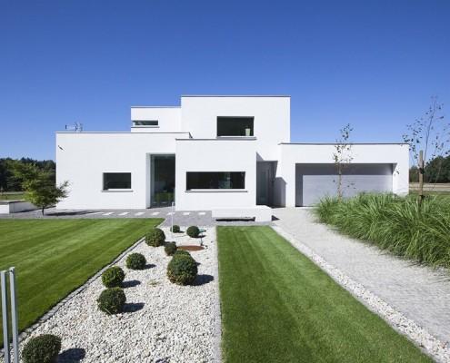 Eko dom o nieregularnej bryle BXBstudio