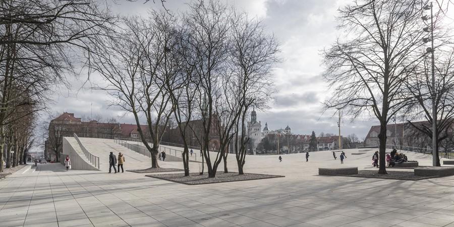 Centrum Dialogu Przełomy World Building of the Year 2016