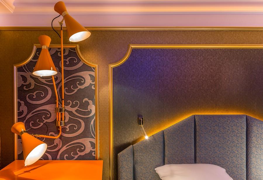 Stylowy hotel Idol Paryż oryginalne oświetlenie