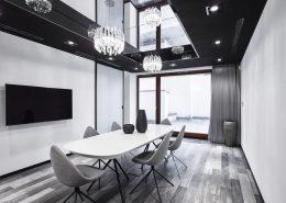 Jadalnia w odcieniach szarości A8 Architektura