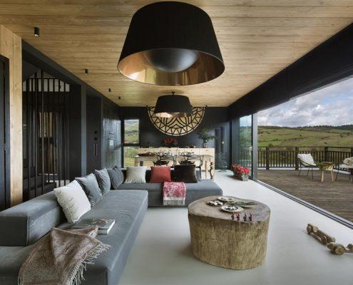 Nowoczesne wnętrze z rustykalnymi akcentami Hola Design - eklektyczne wnętrza
