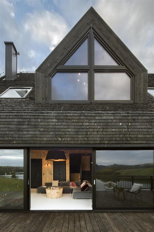 nowoczesny dom z drewnian� dach243wk� mountain cottage