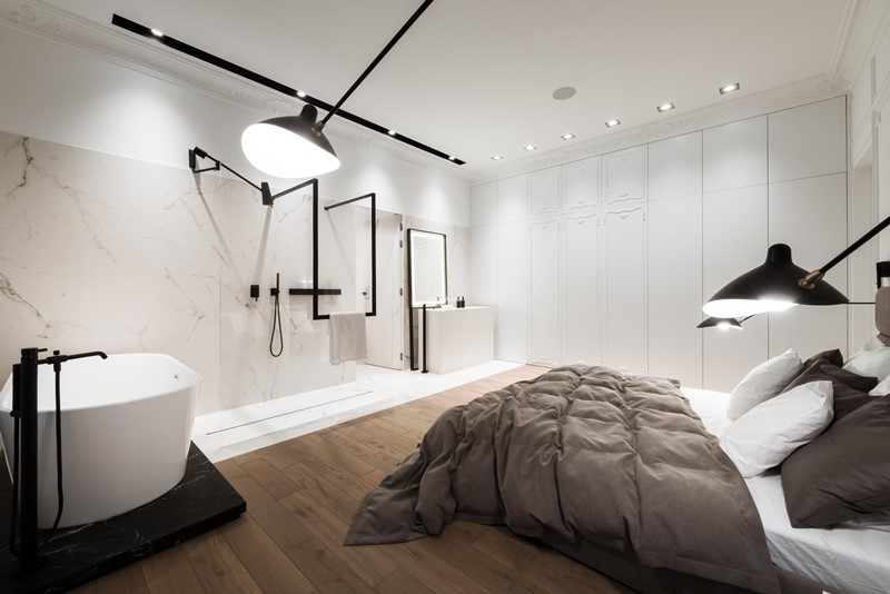 Duża sypialnia z pokojem kąpielowym