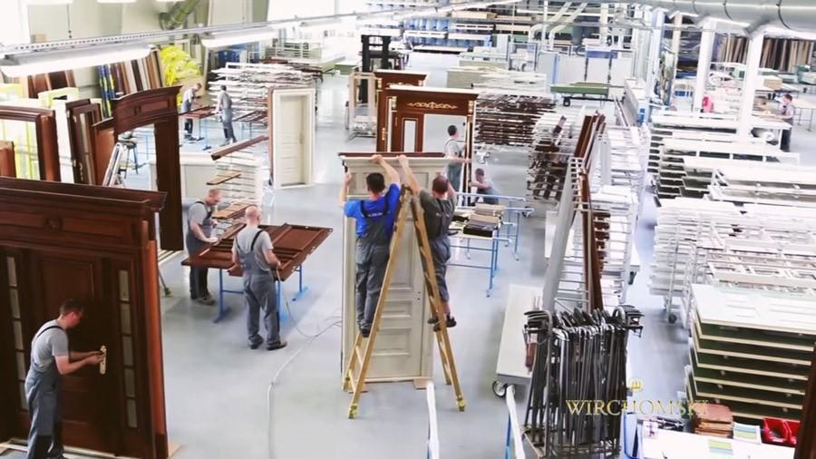 Produkcja w manufakturze mebli - meble na zamówienie Wirchomski