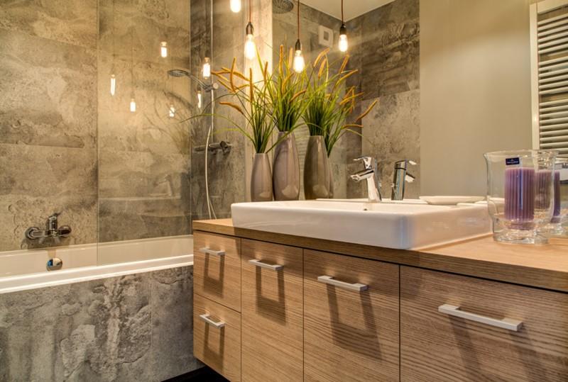 Drewniane meble w łazience - wykańczanie wnętrz