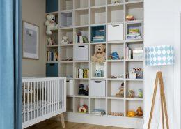 Aranżacja dużego pokoju dla niemowlaka