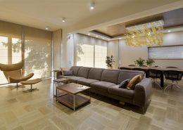 Ciepłe kolory w otwartym wnętrzu - Hola Design