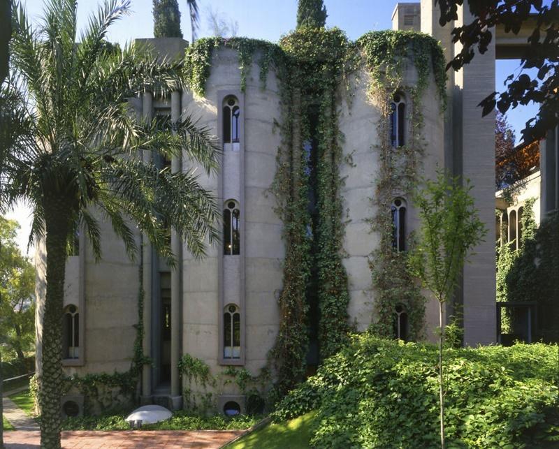 Rewitalizacja budynku - fabryka Ricardo Bofill
