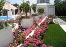 Aranżacja ogrodu z dużymi donicami - CG