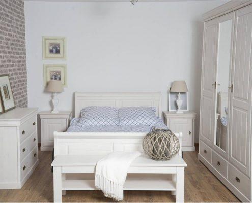 Białe meble do klasycznej sypialni - Patiomeble