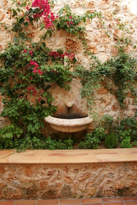Klasyczne fontanny w ogrodach - CG