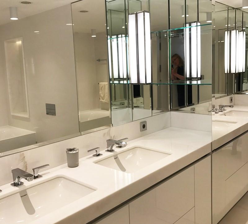 Polski architekt w Cannes - łazienka