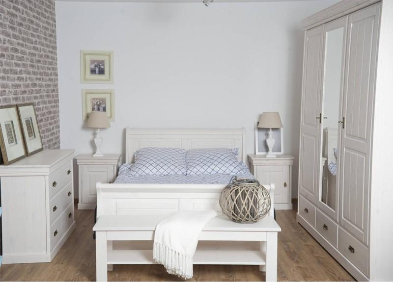 Prowansalskie meble w małej sypialni - Patiomeble