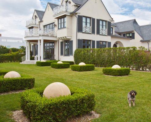 Symetryczny ogród klasycznego domu - CG