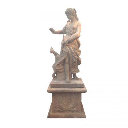 Antyczna rzeźba kobiety z kamienia Stone004