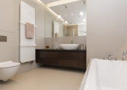 Aranżacja łazienki w delikatnym popiele - Archissima
