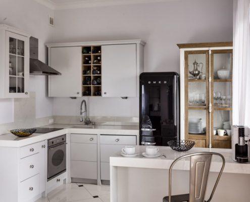 Aranżacja małej kuchni w klasycznym styl - Loft Factory