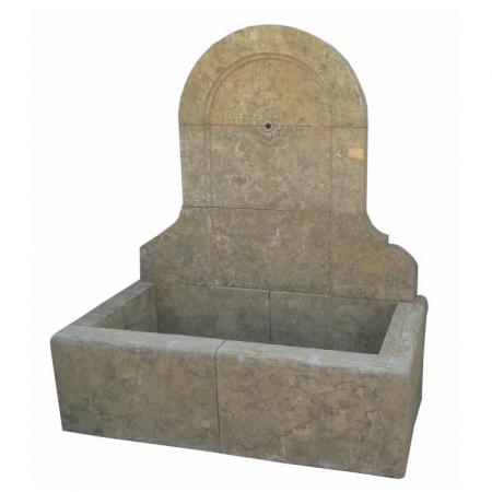 Ogrodowa, duża fontanna ścienna z kamienia