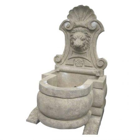 Kamienna fontanna ścienna głowa lwa