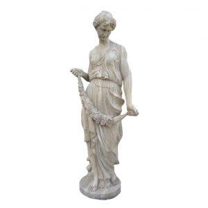 Kamienna rzeźba kobieta z girlandą
