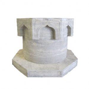 Klasyczna studnia z kamienia