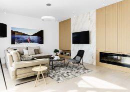 Nowoczesny pokój dzienny z małą jadalnią - Kolory w salonie
