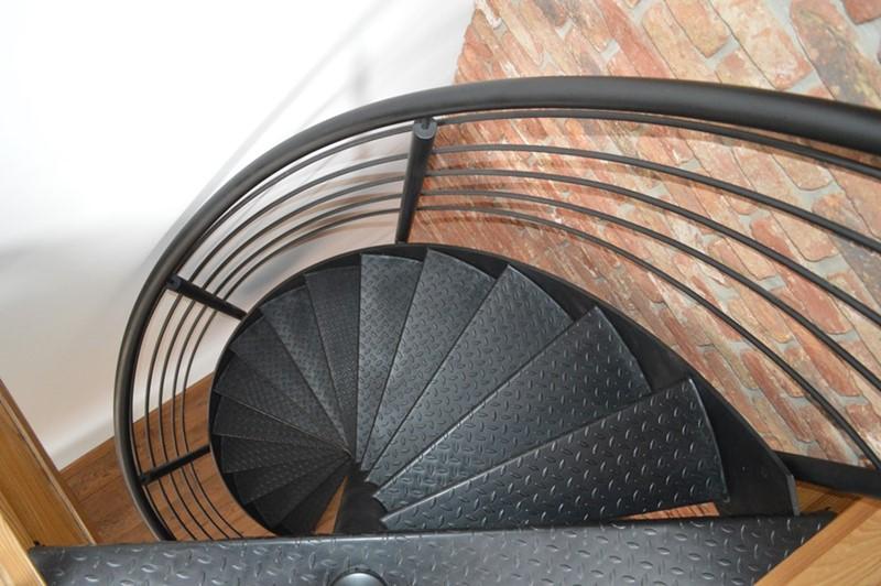 Oryginalne schody kręcone