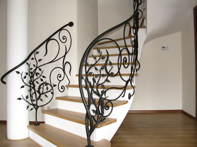 Oryginalne schody kute balustrady