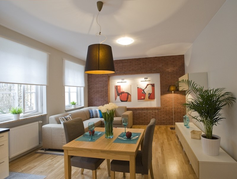 Remont starego salonu - home staging - Stage It Up